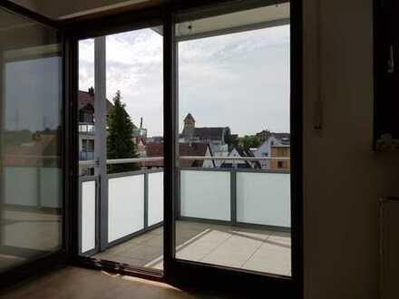 helle 2-Zimmerwohnung in ruhiger aber zentraler Lage und schönem Ausblick