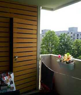 Schöne 4,5 Zimmer-Wohnung mit Balkon und EBK in Ulm