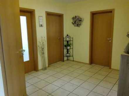 Schöne drei Zimmer Wohnung in Langweid am Lech