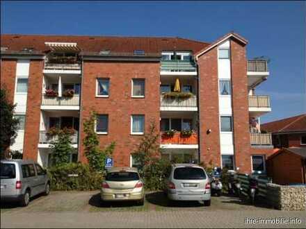 Ganderkesee - Am Fuchsberg: Gepflegte 2-Zimmer-Wohnung mit Loggia, Fahrstuhl u. Schwimmbad im Haus.