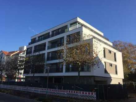 4 Zimmer-Penthouse im Zentrum Langens mit Fernblick