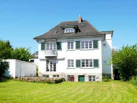Bad Wilhelmshöhe / Flüsseviertel… Exklusive, moderne Villa im Kaffeemühlenstil mit Garten