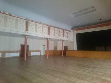 Kulturhaus m. 1 gr. Saal m.Bühne, Terrasse, Garderoben,sep. Personalbereich