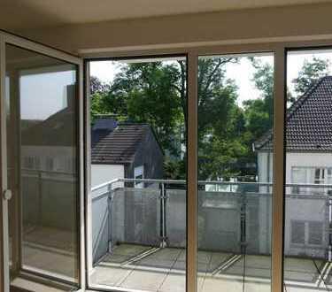 Hochwertige 2-Zimmer-Wohnung mit Balkon und EBK in Düsseldorf Benrath