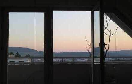 Schöne, helle 2-Zimmer-DG-Wohnung mit Balkon in Calw-Heumaden