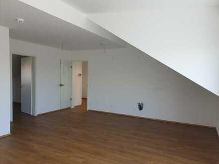 Erstbezug: freundliche 2-Zimmer-Dachgeschosswohnung mit Balkon in Jengen