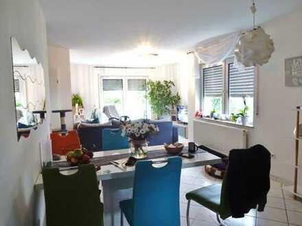 Attraktive Doppelhaushälfte mit 2 separaten Wohnungen,177 m² Wohnfläche, 295 m² Grundstück