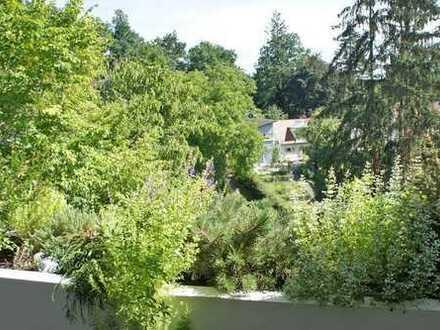 Tolle 3-Zimmer-Wohnung in Erlangen (inkl. 2 Balkone und Einbauküche)
