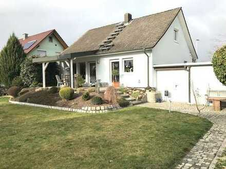 Gepflegtes Einfamilienhaus mit wunderschönem Garten in Ringsheim