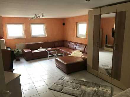 Studenten -/innen aufgepaßt: 1,5-Zimmer-Wohnung in Neuhausen / Schellbronn zur Miete