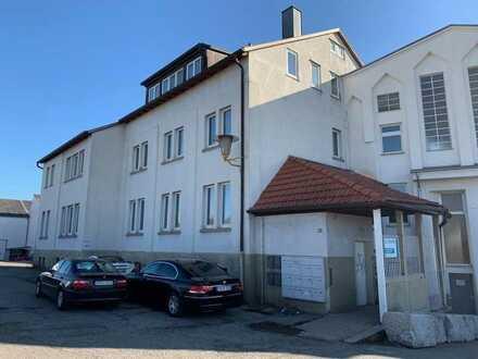 Frei: Gewerbeobjekt mit großer (genehmigter) Wohnung und guter Anbindung in S-Feuerbach