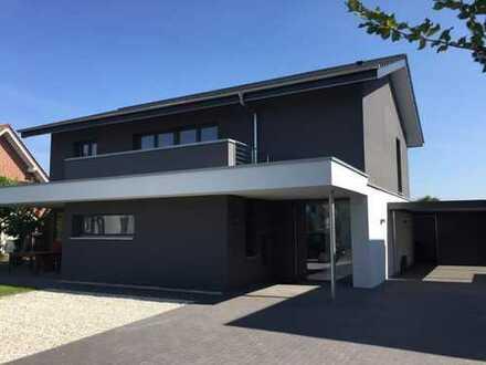 Neue Eigentumswohnung in einem stilvollen Zweifamilienhaus