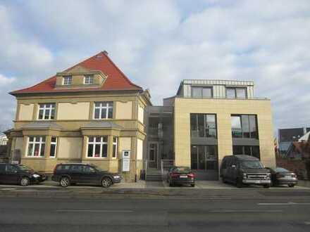 Neue Büroräume in moderner Stadtvilla