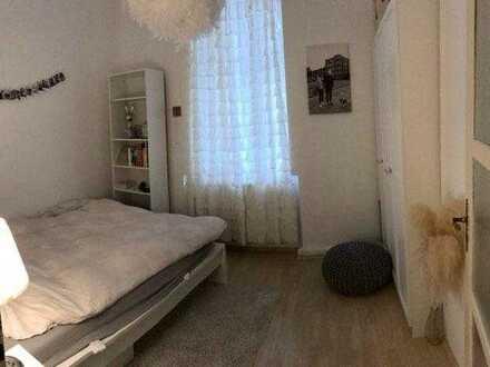 Sehr schöne komplett möblierte 70 qm-Wohnung zur gemeinsamen Nutzung und eigenes 12qm-Zimmer zur all