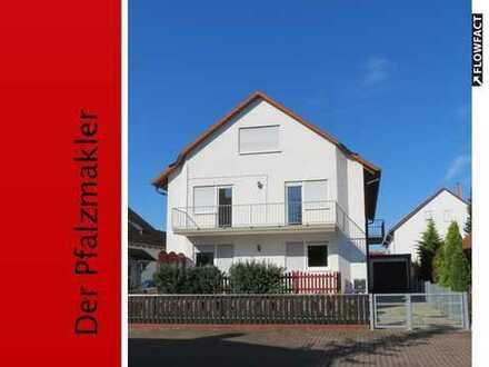 Doppelhaushälfte mit 4 Schlafzimmer und 2 Bäder in ruhiger und gepflegter Wohnlage