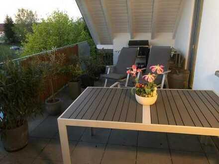 Neuwertige DG-Wohnung mit drei Zimmern und Balkon in Bühl
