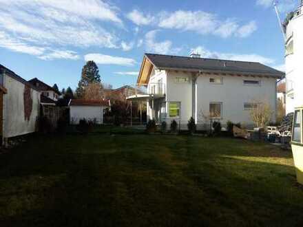 Wunderschönes freundlich helles Einfamilienhaus mit Garten