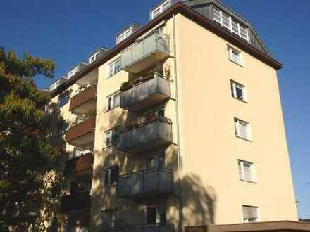 Kapitalanlage; gut vermietete 3 Zimmerwohnung mit Balkon in Köln Ensen am Rhein