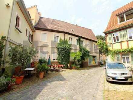 Exklusiv & Einmalig: Zwei Altstadthäuser in bester Ladenburger Innenstadtlage