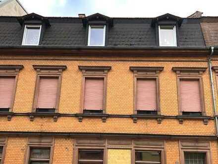 Drei Wohnungen unter einem Dach + Nebengebäude in Zentrumsnähe von Frankenthal!