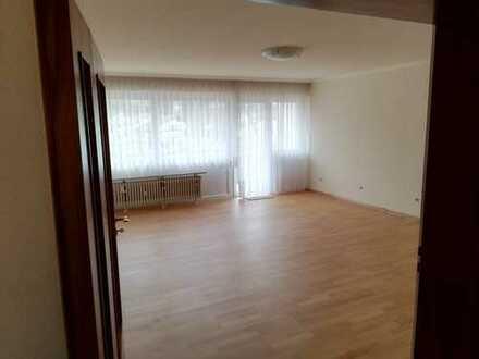 Helle, schön geschnittene 4 Zimmer Wohnung in Waldkirch mit 3 Balkonen
