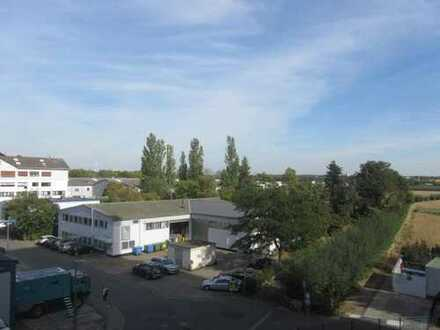 HATTERSHEIM: Große und helle 2 ZW mit Sonnen-Balkon