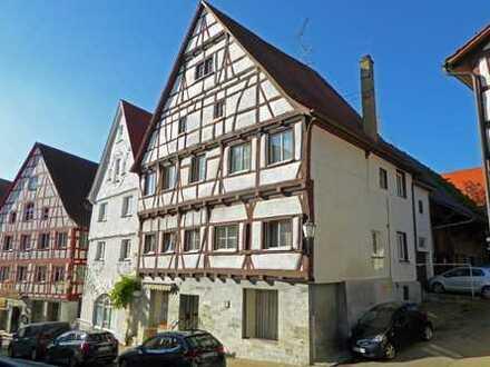 Historisches Wohn- und Geschäftshaus in der Oberstadt