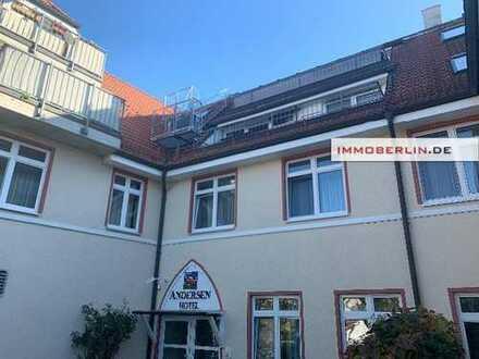 IMMOBERLIN: Perfekt im Berliner Speckgürtel! Helle vermietete Wohnung mit großer Westterrasse