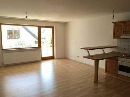 Sonnige Wohnung mit perfektem Grundriss und großem Balkon für Pendler, Singles und Studenten
