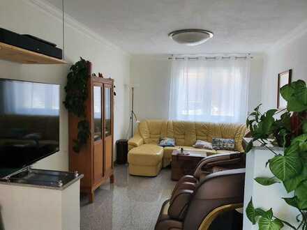 Neuwertige 4-Zimmer-Maisonette-Wohnung mit großer Wohnküche und Balkon und Einbauküche in Nieder-Olm