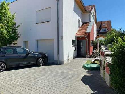 Hochwertige, helle, 5 Zimmer Maisonettewohnung in ruhiger Lage - Garage, 2 Balkone, 2 Bäder