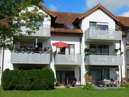 Renovierte 2 Zi.-Wohnung in guter Lage, Balkon, TG-STP..!