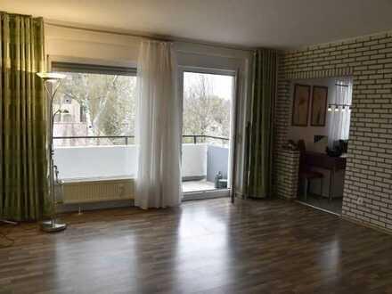 Tolle 2-Zi.-Wohnung: Zentrale Lage + 2 Balkone + einmaliger Ausblick