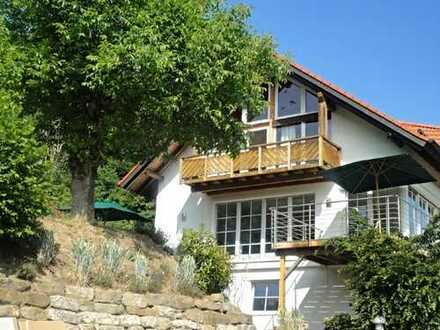 Exklusive Landhauswohnung mit besonderem Ambiente, viele Extras