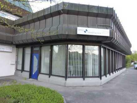 Schönes Büro etc mit Dusche, gr. Keller,EBK, WC und Schaufenster in 71139 Ehningen, KM 850€