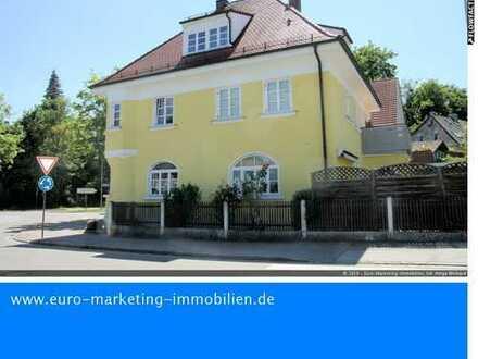 Nähe Bahnhof in Neuburg/Donau, Großes Haus für 3 Familien mit kleinem Garten und Carport