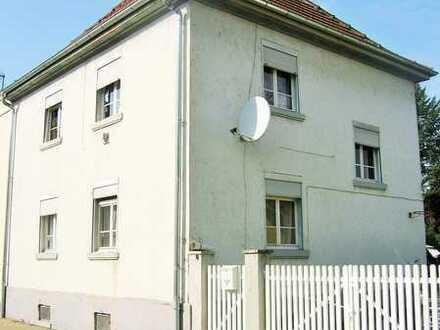 Attraktives Einfamilienhaus mit Wirtschaftsgebäude provisionsfrei in Biebesheim