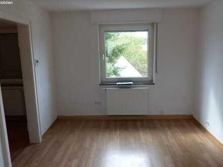 Einzimmer-Appartement in der Stadtmitte zu vermieten.