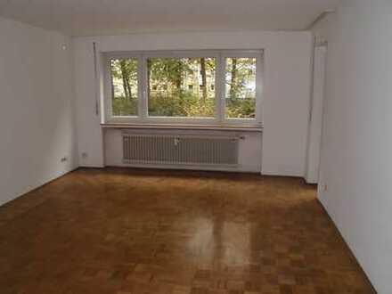 Gepflegte 4 Zimmer Hochparterre Wohnung mit Südost Loggia