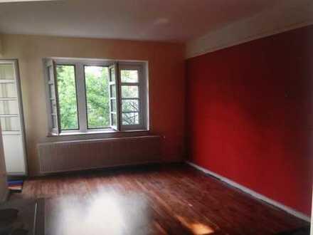 Schönes helles Zimmer in Altbauwohnung im Zentrum von Brühl