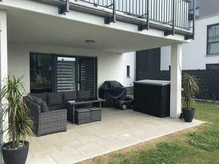 Moderne Wohnung mit großem Garten