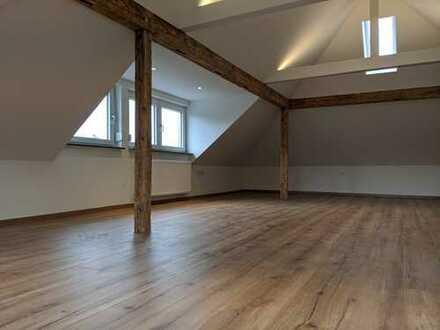 Wunderschöne Maisonette Wohnung: 3 Zimmer, 2 Bäder, Hemsbach