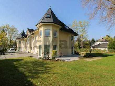 Luxus in Kölner Toplage: Umfassend sanierte DHH mit großem Garten und tlw. Gewerbeoption in Hahnwald