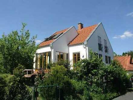 *Paradisisches Wohnen in Bestlage von Wenighösbach*Exklusives Einfamilienhaus mit Wohlfühlcharakter*