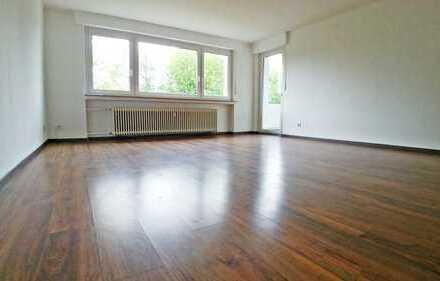 Schöne 2-Zimmer-Wohnung 70 m² mit großem Wohnzimmer und Balkon