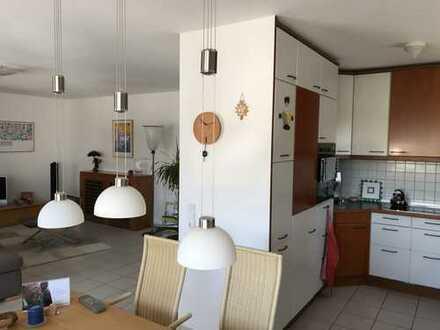 PROVISIONSFREI! Helle, geräumige drei Zimmer Wohnung mit Balkon in Darmstadt-Dieburg (Kreis), Messel