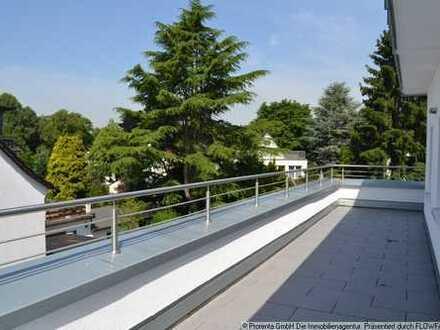 Dachgeschoß mit umlaufender Terrasse ! 2,5 Zimmer für Genießer !