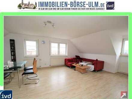 sehr helle 2 Zimmer-Wohnung mit besonderem Charme!