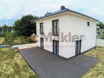 Wohnen mit Anspruch in Potsdam! Neuwertiges EFH mit Fußbodenheizung, Terrasse und hochwertiger EBK