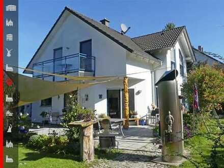 TOP-Einfamilienhaus zu erschwinglichem Preis! Schönes Haus mit großem Grundstück auf Erbpacht